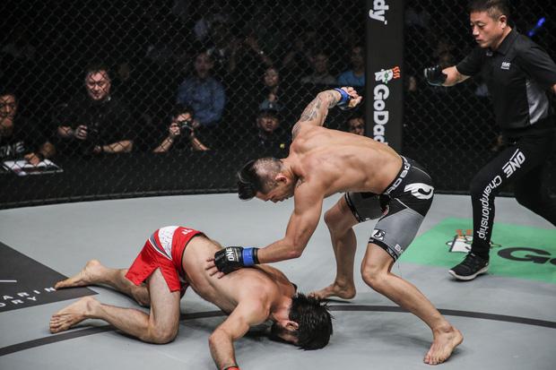 Võ sĩ gốc Việt chiến thắng ngoạn mục, giành đai vô địch ONE Championship - Ảnh 5.