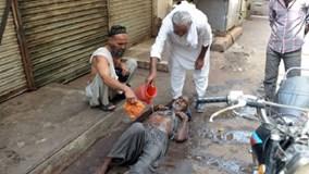 Người dân khốn khổ với nắng nóng hơn 50 độ C tại Pakistan