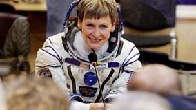 Nữ phi hành gia Mỹ phá kỷ lục sống trong vũ trụ