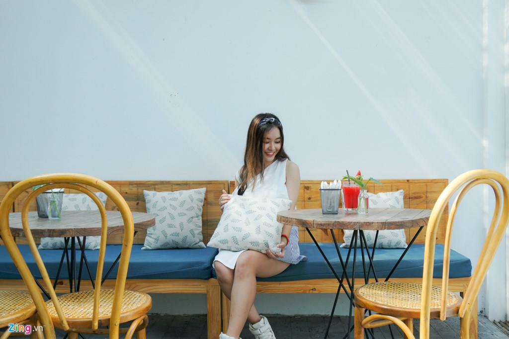 9X xinh dep dong MV cung My Tam, gioi 2 ngoai ngu, rat thich choi game hinh anh 8