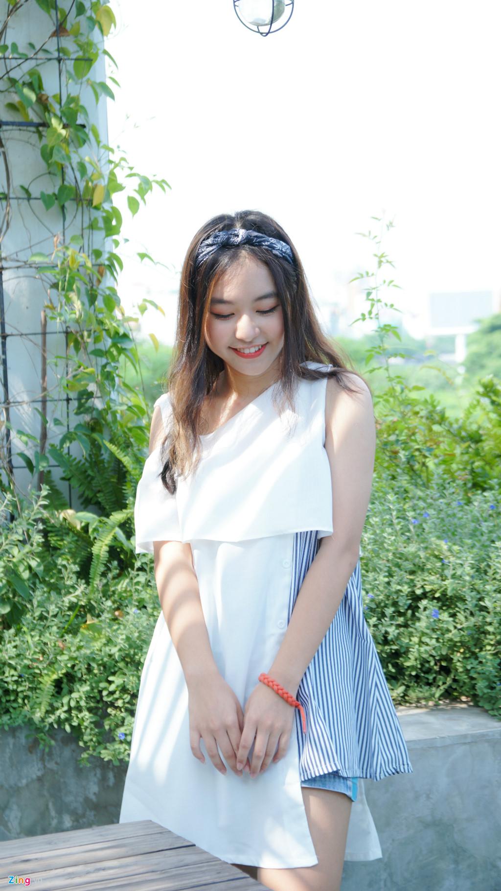 9X xinh dep dong MV cung My Tam, gioi 2 ngoai ngu, rat thich choi game hinh anh 12