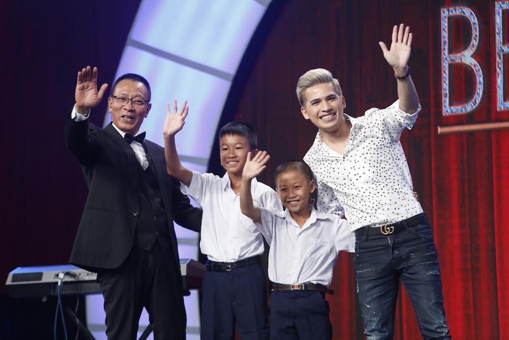 Thánh chém 5 tuổi Minh Khang tái xuất khiến MC Lại Văn Sâm toát mồ hôi-3