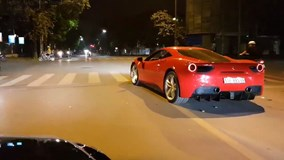 Ferrari 488 GTB của ca sĩ Tuấn Hưng được dạo phố ngay khi về thủ đô