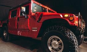 """Ngắm Hummer H1 chạy điện êm ru của """"Kẻ hủy diệt"""""""