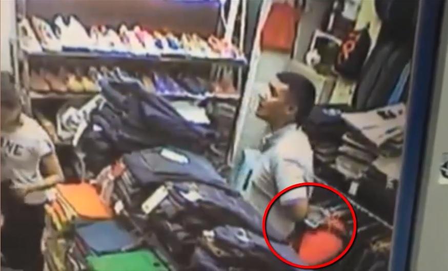 Video - Clip: Nam thanh niên trộm iPhone 7 Plus cực nhanh trong cửa hàng quần áo