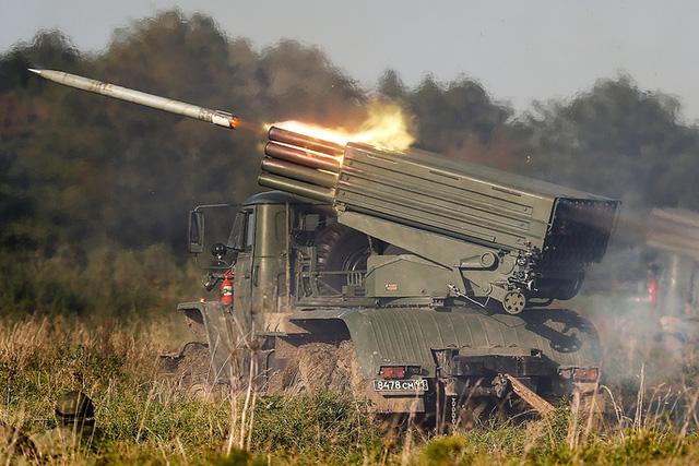 Lực lượng còn lại của kẻ thù sẽ bị đơn vị bộ binh tấn công và tiêu diệt với sự yểm trợ của xe tăng, trực thăng và pháo Grad.