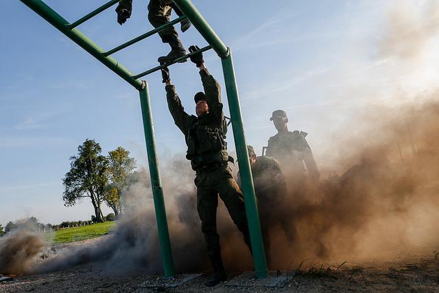 Trong phần hai của cuộc tập trận, các binh sĩ thủy quân lục chiến sẽ chiến đấu và ngăn đà tiến của nhóm vũ trang đang dồn lên phía trước trên đất liền.
