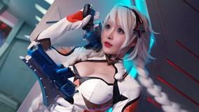 Nữ cosplayer 9X nổi tiếng tử nạn trong buổi chụp hình