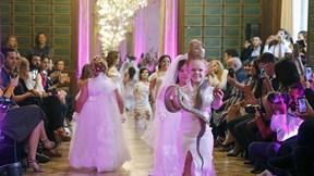 Hội người mẫu cao 130 cm khuấy đảo tuần lễ thời trang Paris