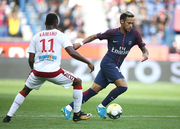Fan PSG huyt sao phan doi Neymar, doi tra penalty cho Cavani hinh anh 4