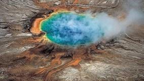 Suối nước nóng sôi sục do siêu núi lửa ở Yellowstone tạo thành
