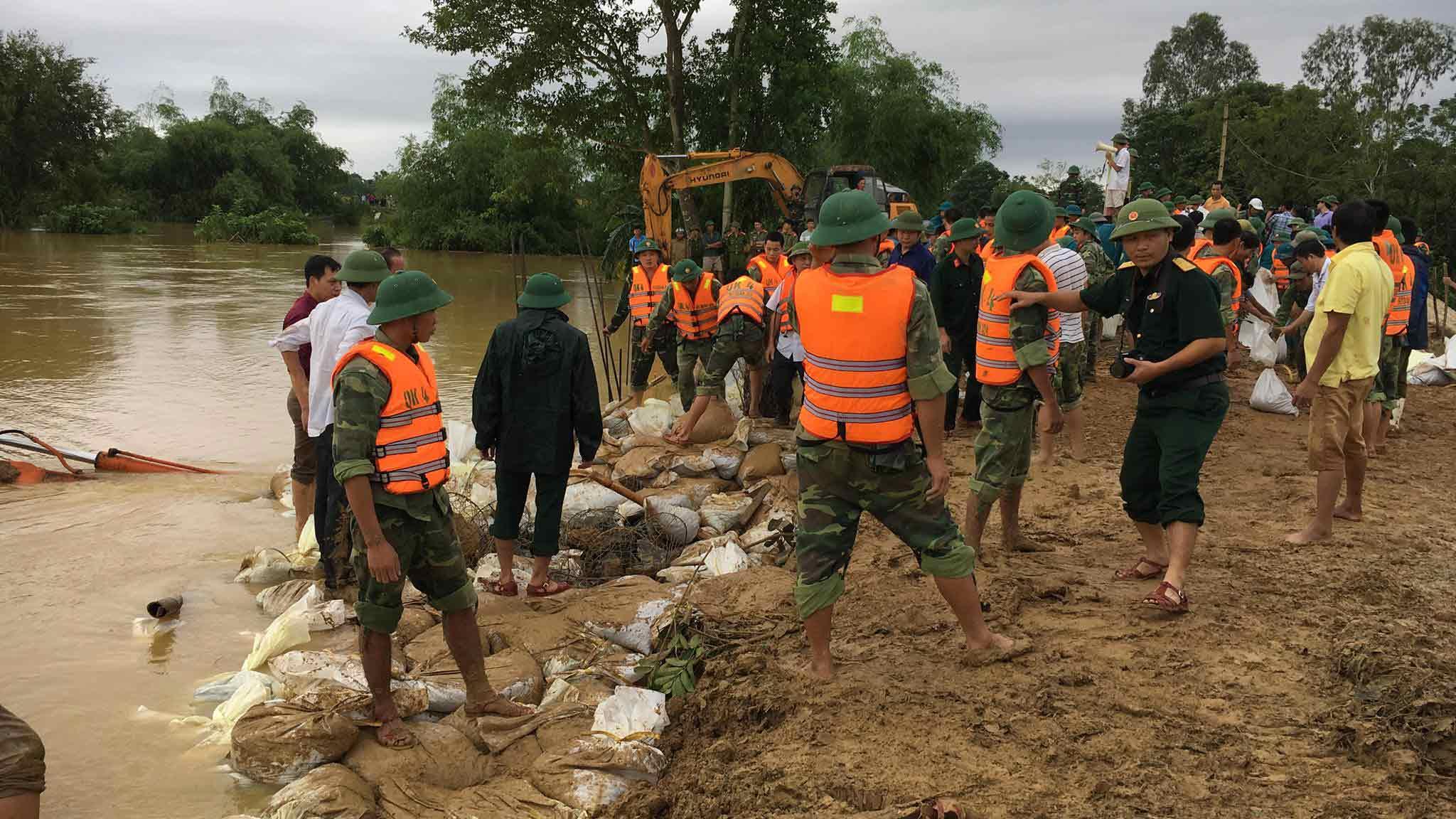 Lũ lụt ở Thanh Hóa, ngập lụt ở Thanh Hóa, mưa lũ, vỡ đê, cứu đê,