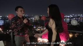 'Lịm tim' với video toàn cảnh Khắc Việt quỳ gối cầu hôn bạn gái