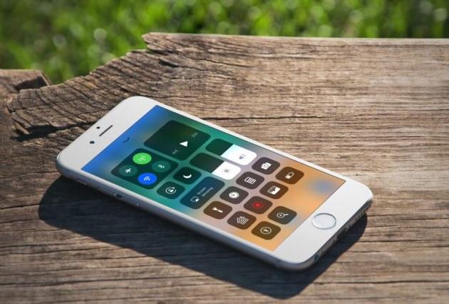 iOS 11 gặp lỗi ngớ ngẩn 1+2+3 = 24-1