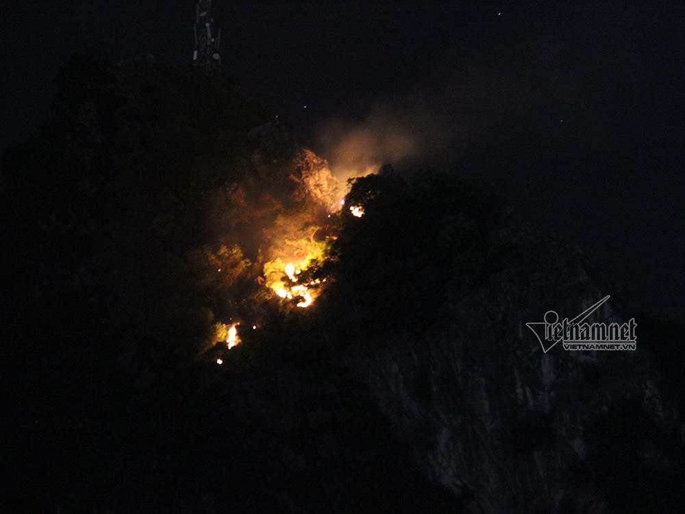 cháy,hỏa hoạn,cháy núi Bài Thơ,núi Bài Thơ,Quảng Ninh