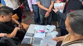 Cảnh mua iPhone X như mua rau lề đường lại xuất hiện