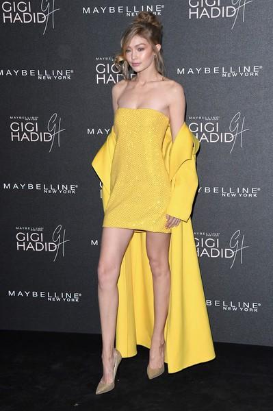 Gigi Hadid khoe chân dài miên man trong sự kiện tại London, Anh quốc ngày 7/11 vừa qua