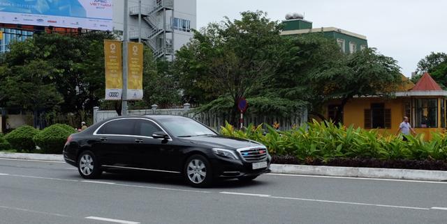 Mercedes-Benz S600 Maybach Guard phục vụ Tổng thống Hàn Quốc Moon Jae-in trên đường phố Đà Nẵng (Ảnh: Khánh Hiền - Khánh Hồng)