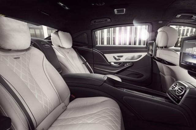 Nội thất đẳng cấp bên trong siêu xe Mercedes-Benz S600 Maybach Guard (Ảnh: Mercedes)