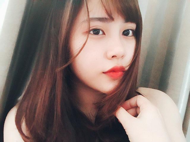 Chỉ ngồi yên và hát, nữ sinh xứ Nghệ  hút trăm nghìn lượt xem khi cover Đừng hỏi em-1