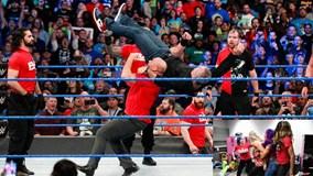 Siêu sao WWE hỗn chiến tại show Smackdown