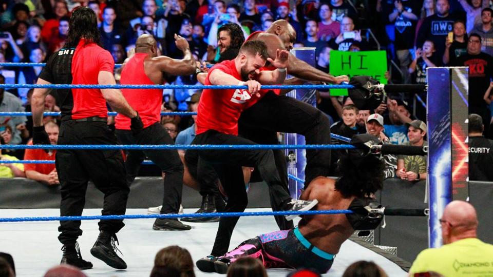 Sieu sao WWE hon chien tai show Smackdown hinh anh 4