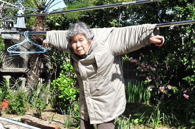 Cụ bà 89 tuổi người Nhật khiến cả thế giới phát sốt với bộ sưu tập ảnh tự chụp cực kỳ hài hước - Ảnh 1.