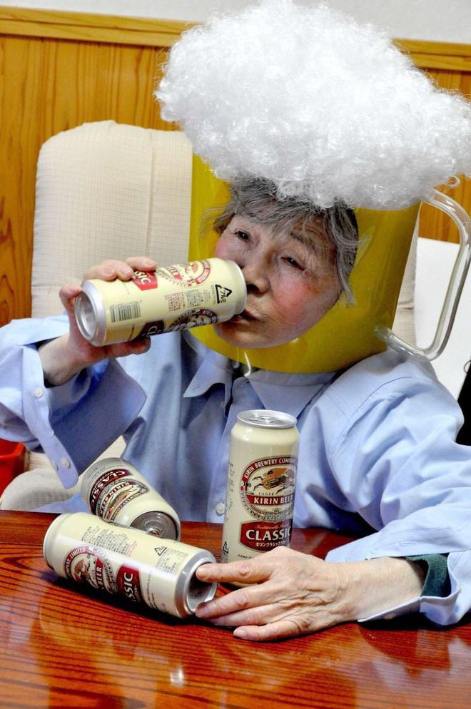 Cụ bà 89 tuổi người Nhật khiến cả thế giới phát sốt với bộ sưu tập ảnh tự chụp cực kỳ hài hước - Ảnh 5.