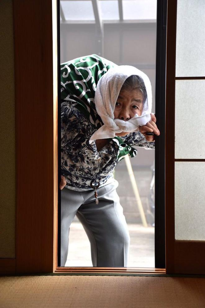 Cụ bà 89 tuổi người Nhật khiến cả thế giới phát sốt với bộ sưu tập ảnh tự chụp cực kỳ hài hước - Ảnh 8.