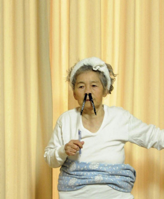 Cụ bà 89 tuổi người Nhật khiến cả thế giới phát sốt với bộ sưu tập ảnh tự chụp cực kỳ hài hước - Ảnh 9.