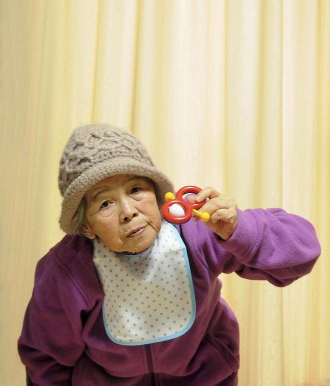 Cụ bà 89 tuổi người Nhật khiến cả thế giới phát sốt với bộ sưu tập ảnh tự chụp cực kỳ hài hước - Ảnh 12.