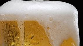 Dân Mỹ thích thú uống bia làm từ... nước thải