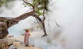"""Dòng sông """"tử thần"""" nước nóng hơn 98 độ C ở Amazon"""