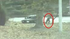 Giây phút binh sĩ Triều Tiên đào tẩu bị bắn trọng thương