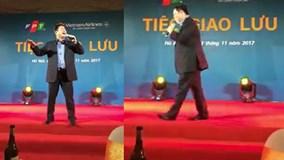 Chủ tịch FPT Trương Gia Bình hát 'Anh còn nợ em' gây sốt mạng xã hội