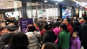Black Friday 2017, nhiều cửa hàng thời trang tại Hà Nội 'thất thủ'