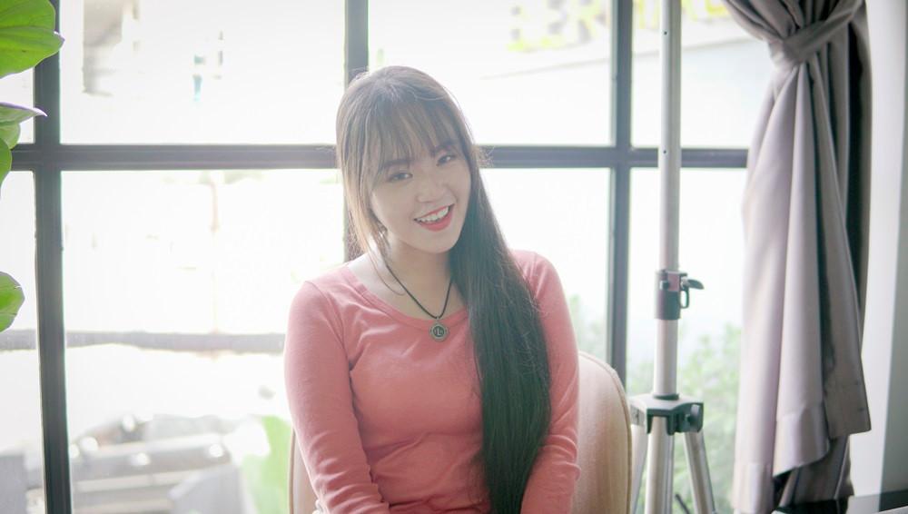 9X Sài Gòn kiếm chục triệu mỗi tháng nhờ có mái tóc dài 2 m-1