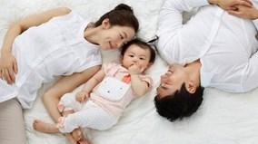 Vì sao nên để trẻ nhỏ ngủ chung với bố mẹ đến năm 3 tuổi?
