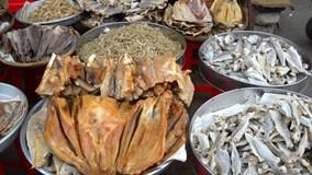 Hàng loạt cơ sở chế biến cá khô sử dụng chất cấm độc hại