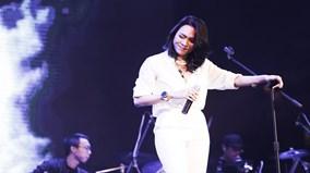 Album với điệu nhảy 'say rượu' của Mỹ Tâm lập kỷ lục mới trên trang Amazon