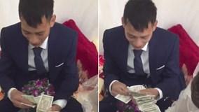 Chú rể Hải Phòng 'đếm mỏi tay' cọc tiền lẻ sau đám cưới