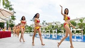Thí sinh Hoa hậu Hoàn vũ Việt Nam khoe dáng với bikini