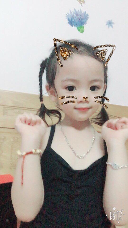 Bé gái 5 tuổi làm chao đảo cộng đồng mạng khi diễn sâu trong cover Buồn của anh-2