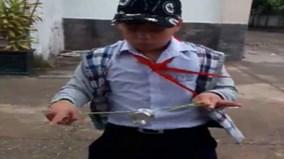 """Báo Tây sửng sốt với cậu bé Việt Nam chơi yo-yo """"như thần"""""""