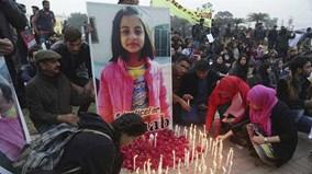 Bé gái 8 tuổi bị hãm hiếp, giết hại khiến Pakistan 'bùng nổ'