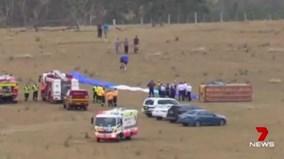Khinh khí cầu chở 15 người rơi xuống đất ở Australia