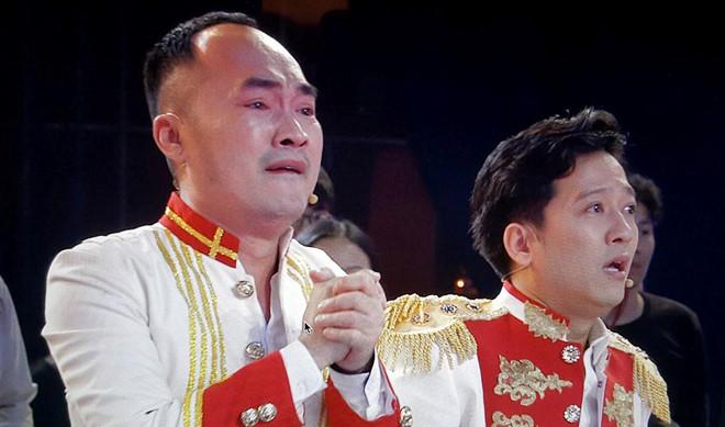Truong Giang, Tien Luat bat khoc khi U23 Viet Nam vao chung ket hinh anh 1