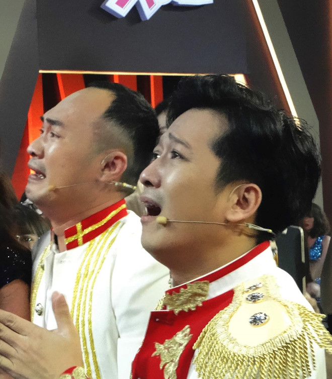 Truong Giang, Tien Luat bat khoc khi U23 Viet Nam vao chung ket hinh anh 2