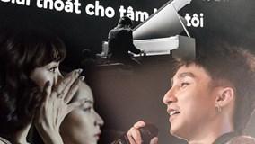 Màn kết hợp đầy cảm xúc của Sơn Tùng và con trai diễn viên Quốc Tuấn