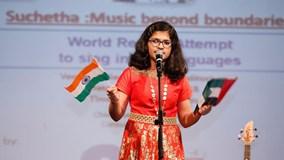 Nữ sinh hát 102 thứ tiếng trong hơn 6 giờ lập kỷ lục Guinness